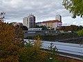 Michle, most metra na Kačerově, pohled k Sedlčanské a Jihlavské ulici.jpg