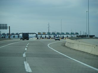 Interstate 476 - The Mid-County mainline toll plaza, which marks the southern terminus of the Northeast Extension
