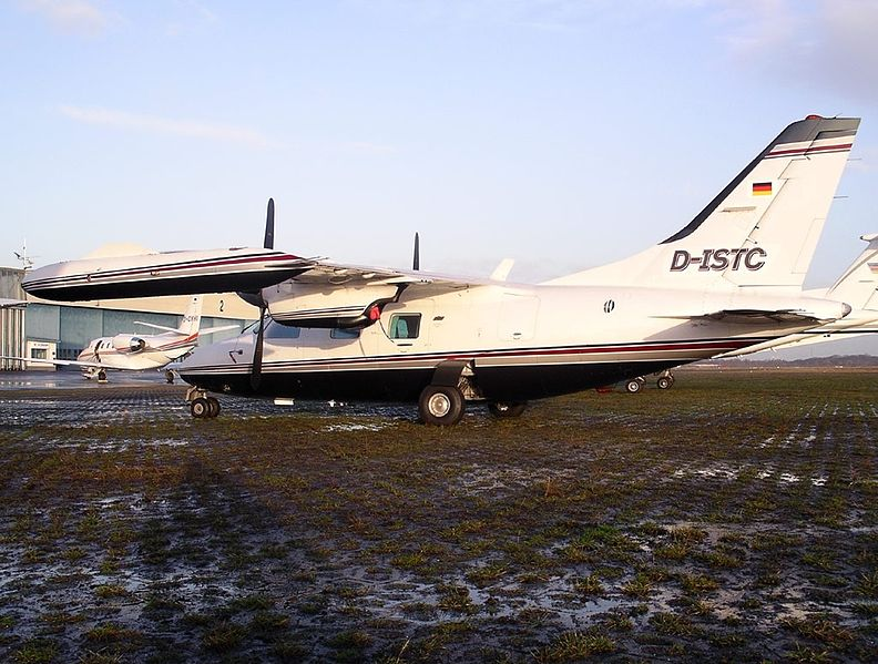 File:Mitsubishi MU-2 Solitaire (MU-2B-40) AN0762515.jpg ...
