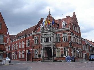 Moorslede - Image: Moorslede Town hall 1