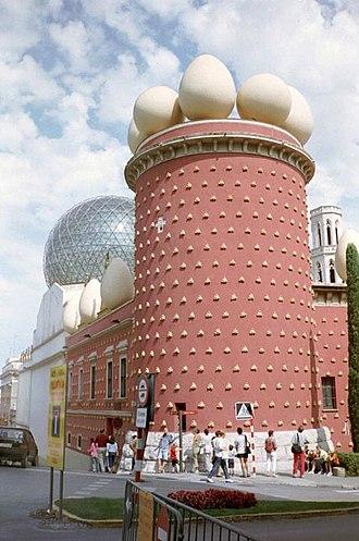Dalí Theatre and Museum - Image: Musée Salvador Dali Figueres