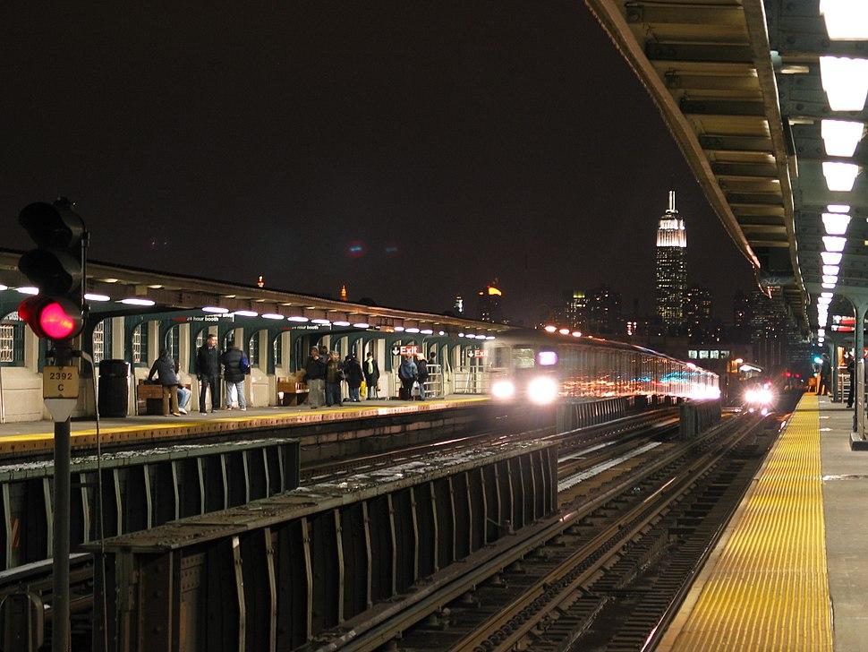 NYCSub 7 station view