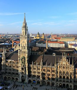 Neues Rathaus Munich March 2013.JPG
