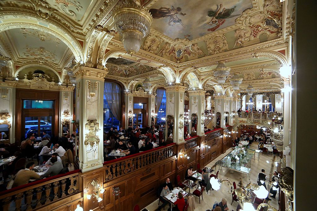 Café néo-baroque New York palace et son café à Budapest - Photo de Thaler Tamas