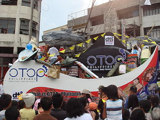 Eastern Visayas - Float exhibiting products of Eastern Visayas
