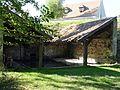 Oinville-sur-Montcient (78), lavoir couvert, parc municipal 4.jpg