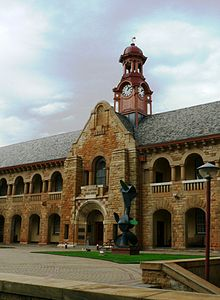 Old Arts Faculty Building, University of Pretoria.jpg