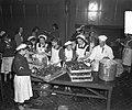 Oliebollenbakken in Oranje Nassau Kazerne voor Emma Kinderziekenhuis, Bestanddeelnr 904-9015.jpg