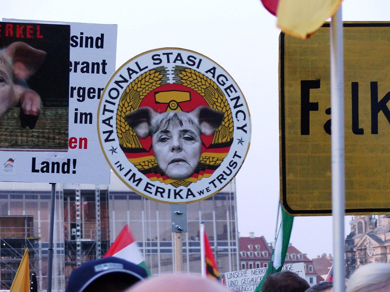 PEGIDA Demonstration Dresden 2015-03-23 16741539780 481a3dd066 o.jpg