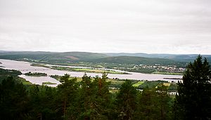 Torne (river) - Torne river and Meänmaa near Övertorneå as seen from the Finnish side. The bridge can be seen to the left.