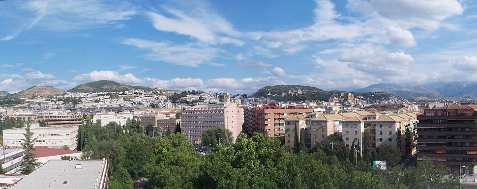 A panoramic view of Granada city, 2013