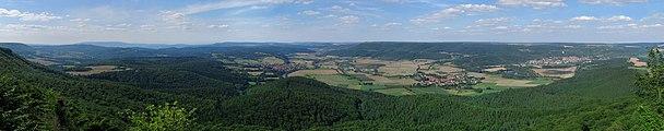 Panorama vom Heldrastein.jpg
