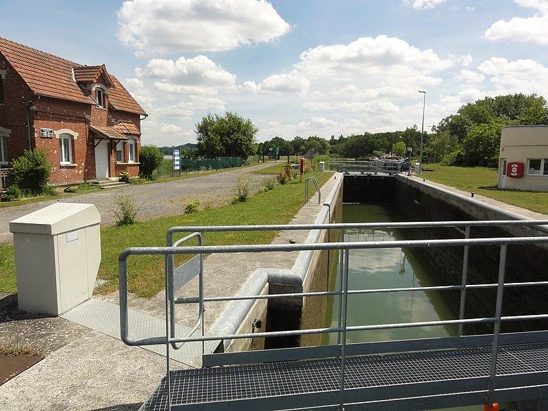 Pargny-Filain (Aisne) Canal de l'Oise à L'Aisne, écluse nr 9