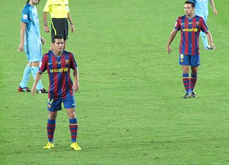 Pedro (footballer, born 1987) - Pedro (left) and Xavi, during the 2009 FIFA Club World Cup.