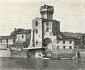 Pisa La Cittadella coi resti dell'antico Arsenale.jpg