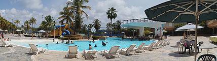 Piscina Hotel Coral Suites.jpg
