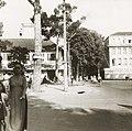 Place Francis-Garnier (du Théâtre) et rue Catinat de Saïgon 1947.jpg