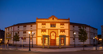 Plaza de Toros de El Bibio - Façade of El Bibio bullring at night