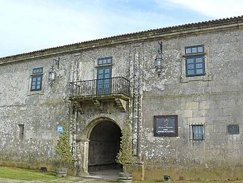 Fachada de entrada al convento