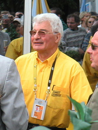 Raymond Poulidor - Poulidor at the 2004 Tour de France