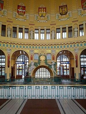 Praha hlavní nádraží - Look into the main hall of the Art-Nouveau station building