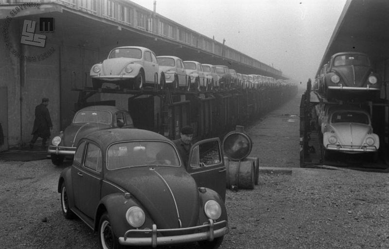 File:Prava poplava pločevine v Ljubljani 1966.jpg