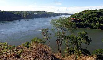 Tripoint - Image: Puerto Iguazú Tres fronteras