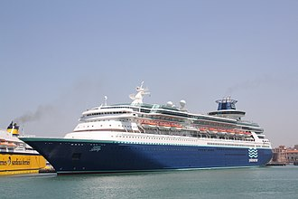 MS Sovereign - Image: Pullmantur Cruises Sovereign 04 IMO 8512281 @chesi