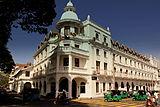 クイーンズ ホテル