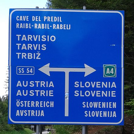 A traffic sign in Italian, Friulan, German and Slovene Quadrilingual traffic sign.jpg