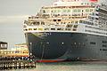 Queen Mary 2 in Port Melbourne (12585186363).jpg