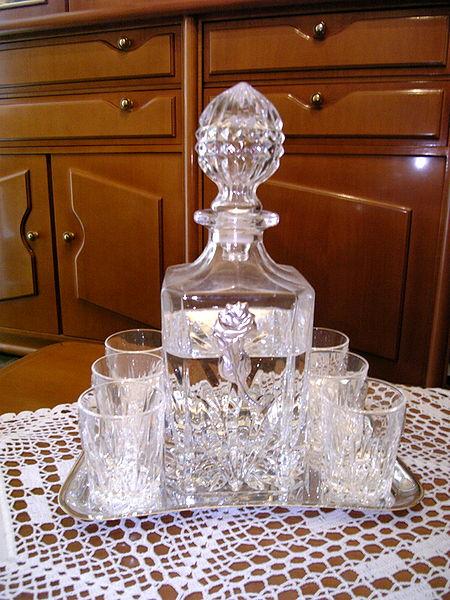 Αρχείο:Raki and Tsipouro Bottle.jpg
