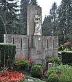 Ravensburg Hauptfriedhof Grabmal Bernhard.jpg