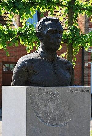 Rik Van Steenbergen - Image: Rik Van Steenbergen Torso