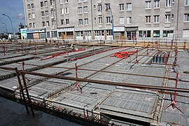 Road work above Highway A6B in Le Kremlin-Bicetre 2011 04.jpg