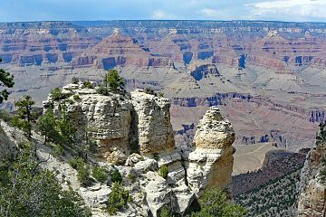 Rock formations at Grand Canyon.jpg