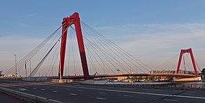 Willemsbrug - Image: Rotterdam, de Willemsbrug foto 4 2015 08 01 20.34
