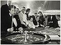Roulettespelers in het casino in hotel Bouwes aan het Badhuisplein 7. NL-HlmNHA 54005745.JPG