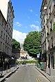 Rue des Vinaigriers, Paris 30 June 2012 - panoramio.jpg