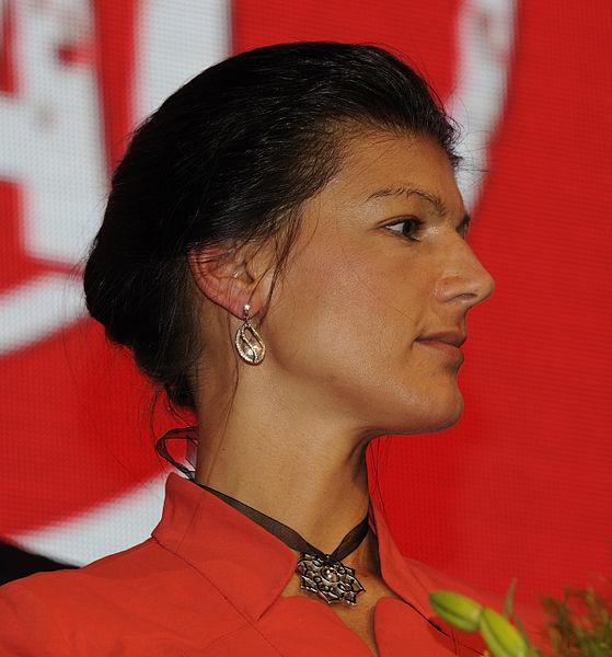 File:Sahra Wagenknecht Die Linke Wahlparty 2013 (DerHexer) 02.jpg