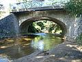 Saint-Georges-Hauteville (Loire, Fr), pont sur la Curaise.JPG