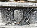 Saint-Saturnin (63) fontaine blason (1).JPG
