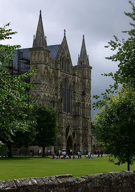 The Great West Front of Salisbury Cathedral. Salisbury Cathedral West Front.jpg