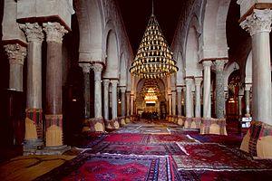 Kairuán: Salle de prière de la Grande Mosquée de Kairouan, 21 mars 2012