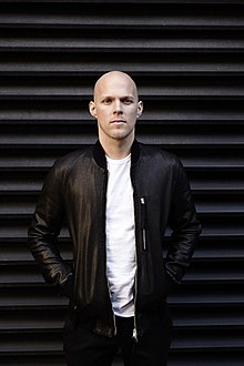 Sam Martin (singer) - Wikipedia