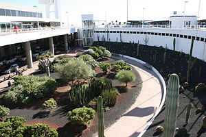 San Bartolomé - airport 05 ies.jpg