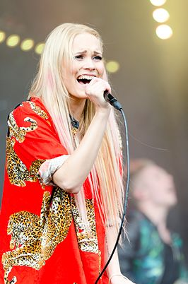 Sanni in YleX Pop Oulu 2014.