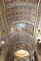Savona Cathedral barrel vault.jpg