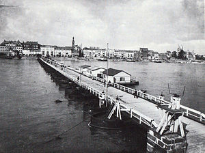 Schiffbrücke Koblenz 1896.jpg