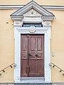 Schlüsselfeld Tür Schulhaus 2110297.jpg